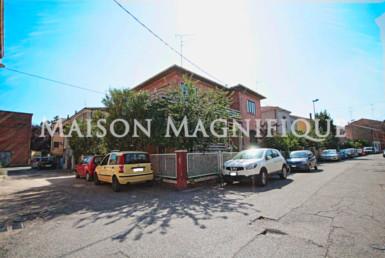 villa con giardino e garage